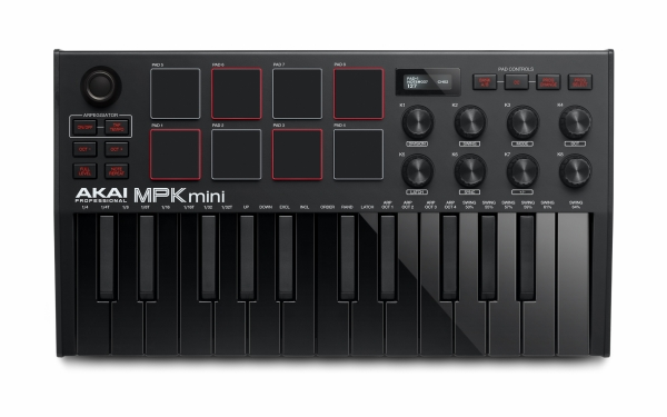 Der AKAI MK3 Controller in limitiertem Schwarz