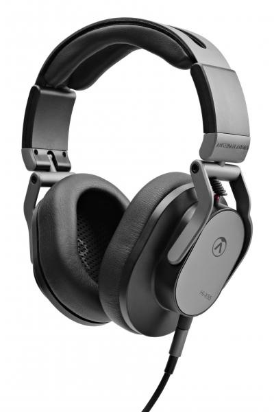 Der Austrian Audio Hi-X55 ist ein ohrumschließender Kopfhörer