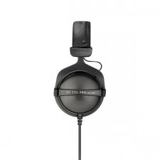 Der beyerdynamic DT 770 Pro ist seit Jahrzehnten ein beliebter Referenzkopfhörer.