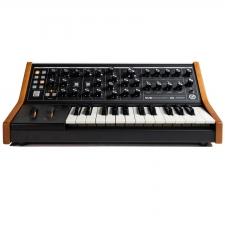 Der Subsequent 25 ist die handlichere Version des High-Tech-Synthesizers Subsequent 37 aus dem Hause Moog