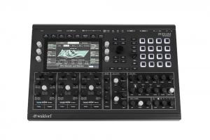 Der waldorf Iridium synthesizer von vorne